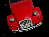 Citroën 2CV Ente in red by oldtimer photography from aRi F.